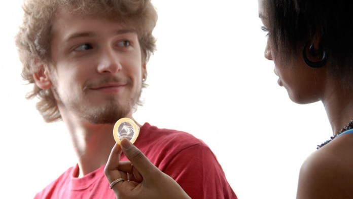 Il declino dell´uso del preservativo: il 20% degli studenti non li usa