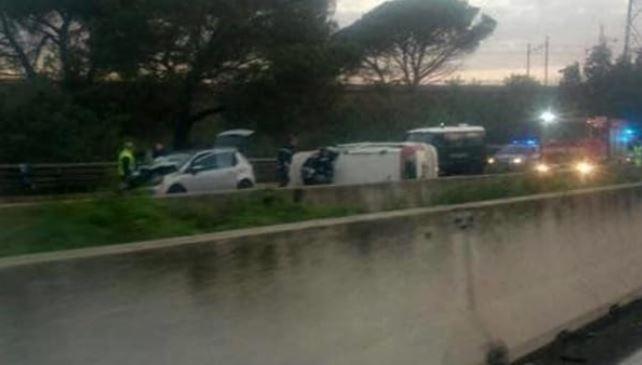 Traffico Roma oggi: incidente tra auto e tir sul Gra, un morto e due feriti